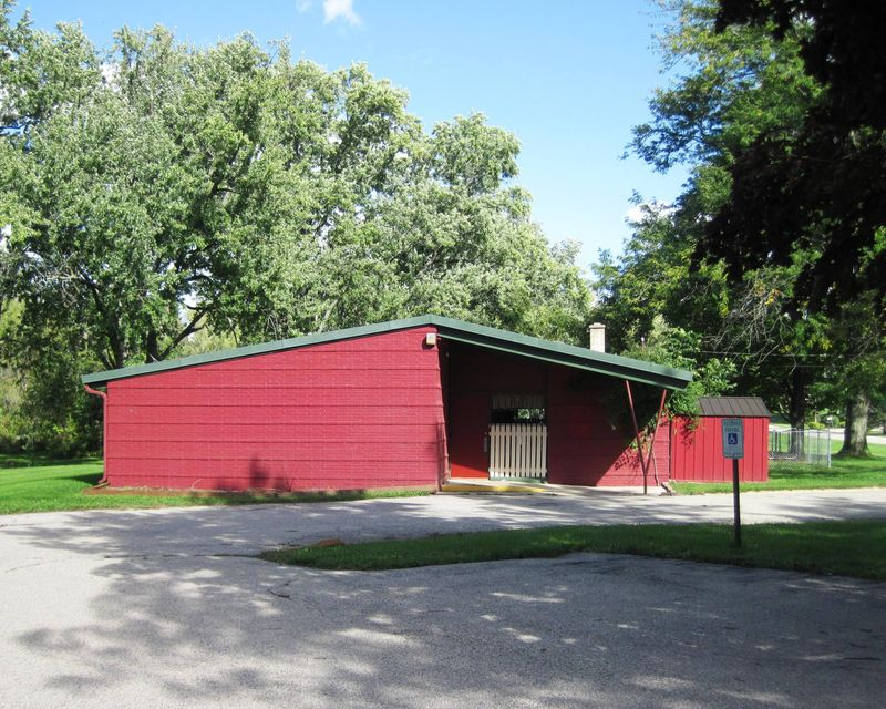 Commercial for Sale at W1476 N Blue Spring Lake Dr Palmyra, Wisconsin 53156 United States