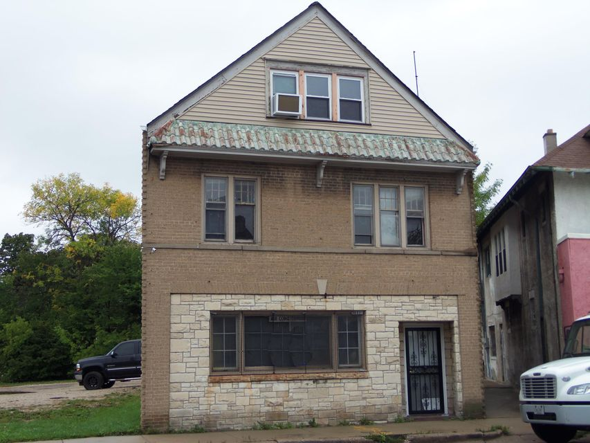 Commercial for Sale at 3611 N Teutonia Ave Milwaukee, Wisconsin 53206 United States