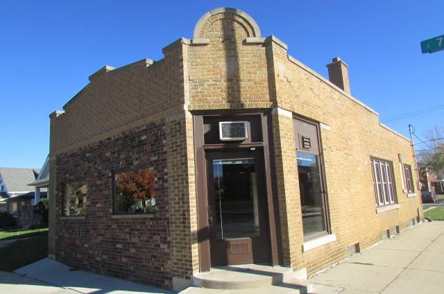 Commercial for Sale at 7234 W Becher St Milwaukee, Wisconsin 53219 United States
