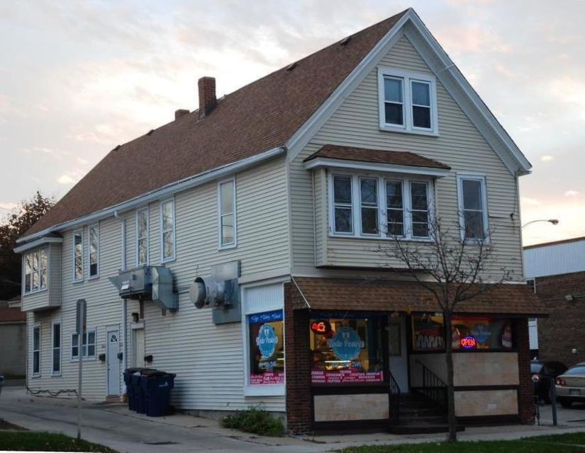 Commercial for Sale at 1567 W Oklahoma Ave Milwaukee, Wisconsin 53215 United States
