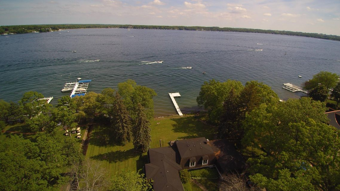 Single Family Home for Sale at W3151 Snake Road W3151 Snake Road Lake Geneva, Wisconsin 53147 United States
