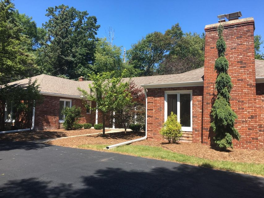 Single Family Home for Sale at 9508 N Sequoia Drive 9508 N Sequoia Drive Bayside, Wisconsin 53217 United States