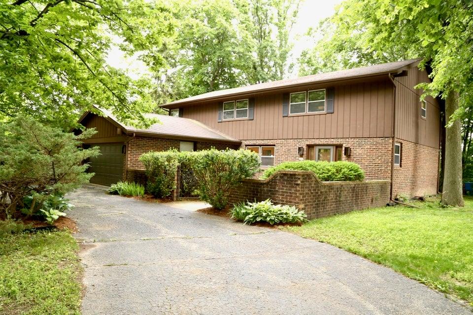 Single Family Home for Sale at 6521 N Bethmaur Lane 6521 N Bethmaur Lane Glendale, Wisconsin 53209 United States