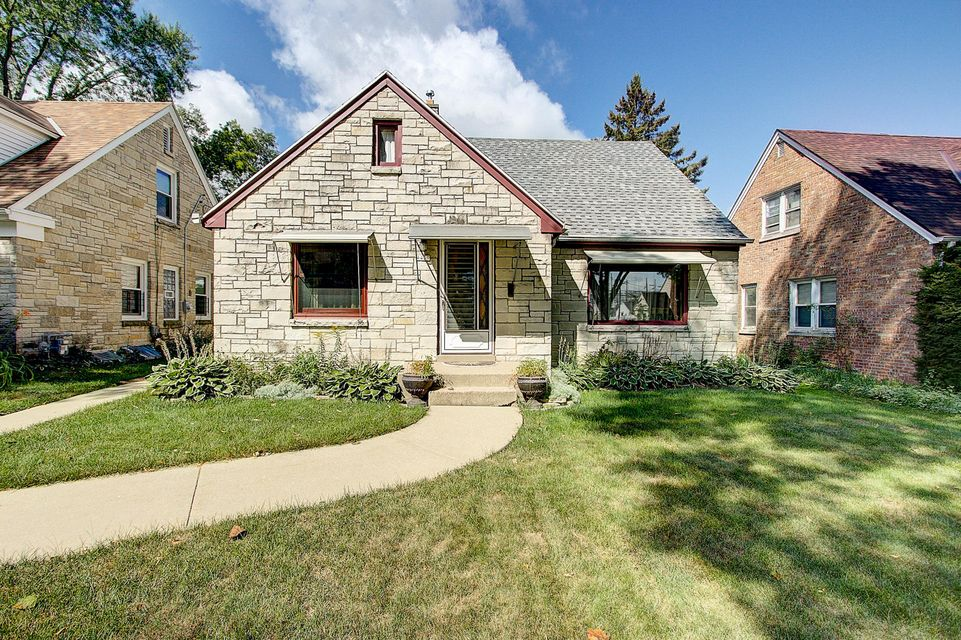 Single Family Home for Sale at 4439 N 21st Street 4439 N 21st Street Milwaukee, Wisconsin 53209 United States