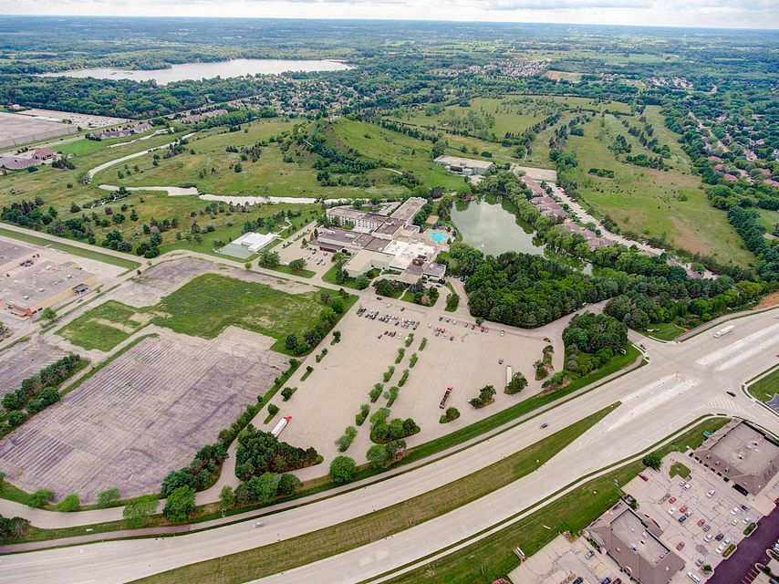 Commercial / Industrial for Sale at 1350 Royale Mile Road 1350 Royale Mile Road Oconomowoc, Wisconsin 53066 United States