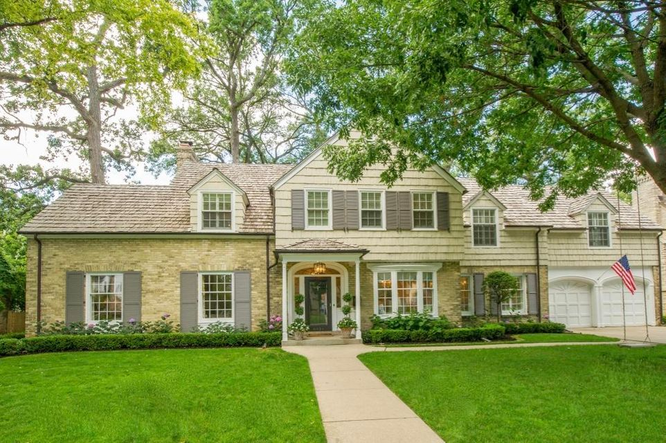 Single Family Home for Sale at 6031 N Kent Avenue 6031 N Kent Avenue Whitefish Bay, Wisconsin 53217 United States
