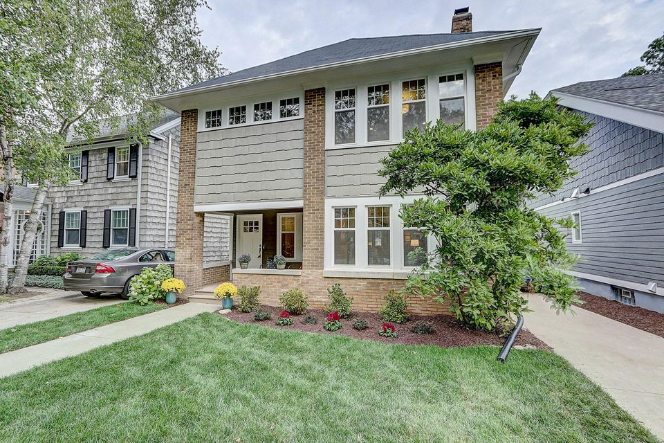Single Family Home for Sale at 4204 N Maryland Avenue 4204 N Maryland Avenue Shorewood, Wisconsin 53211 United States