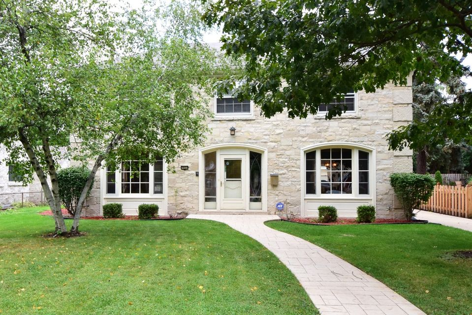 Single Family Home for Sale at 7822 W Wisconsin Avenue 7822 W Wisconsin Avenue Wauwatosa, Wisconsin 53213 United States