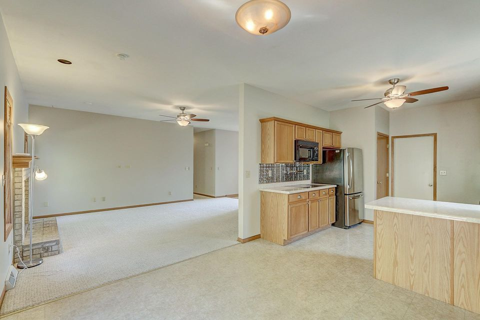Single Family Home for Sale at 2328 Brookstone Lane 2328 Brookstone Lane Waukesha, Wisconsin 53188 United States
