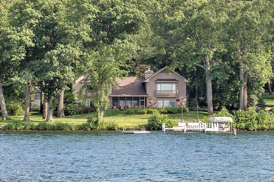 Single Family Home for Sale at W4446 Basswood Drive W4446 Basswood Drive Lake Geneva, Wisconsin 53147 United States
