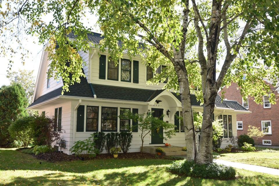 Single Family Home for Sale at 6521 Washington Circle 6521 Washington Circle Wauwatosa, Wisconsin 53213 United States