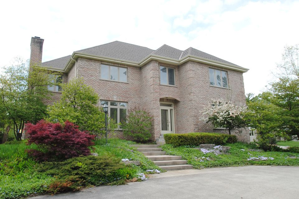 Single Family Home for Sale at 1625 Greenway Ter 1625 Greenway Ter Elm Grove, Wisconsin 53122 United States