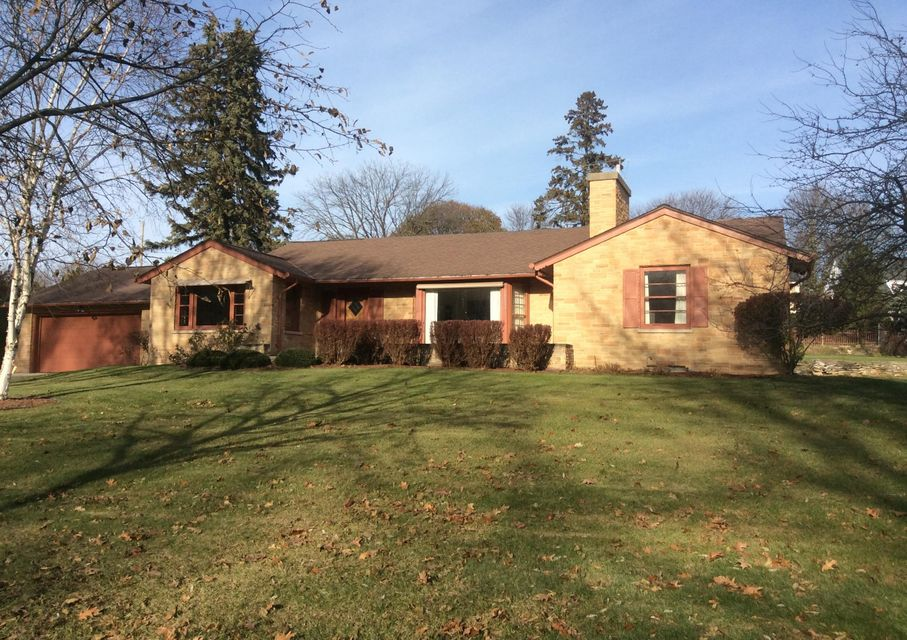 Single Family Home for Sale at 2366 N Menomonee River Pkwy 2366 N Menomonee River Pkwy Wauwatosa, Wisconsin 53226 United States