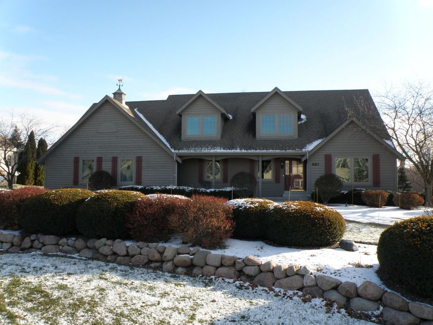 Single Family Home for Sale at 880 Foxkirk Drive 880 Foxkirk Drive Brookfield, Wisconsin 53045 United States