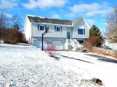 Single Family Home for Sale at 6886 Moonlight Circle 6886 Moonlight Circle Bristol, Wisconsin 53590 United States