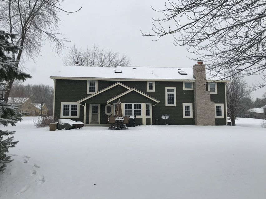 Additional photo for property listing at N32W23511 Fieldside Road N32W23511 Fieldside Road Pewaukee, Wisconsin 53072 United States