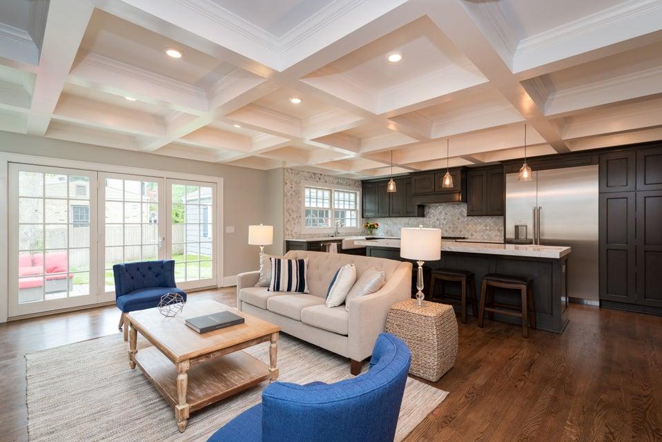 Single Family Home for Sale at 908 E Lexington BLVD 908 E Lexington BLVD Whitefish Bay, Wisconsin 53217 United States