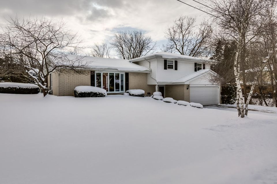 Real Estate Property Listing ID: 1563927