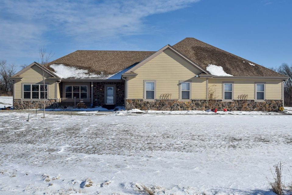 Real Estate Property Listing ID: 1563898