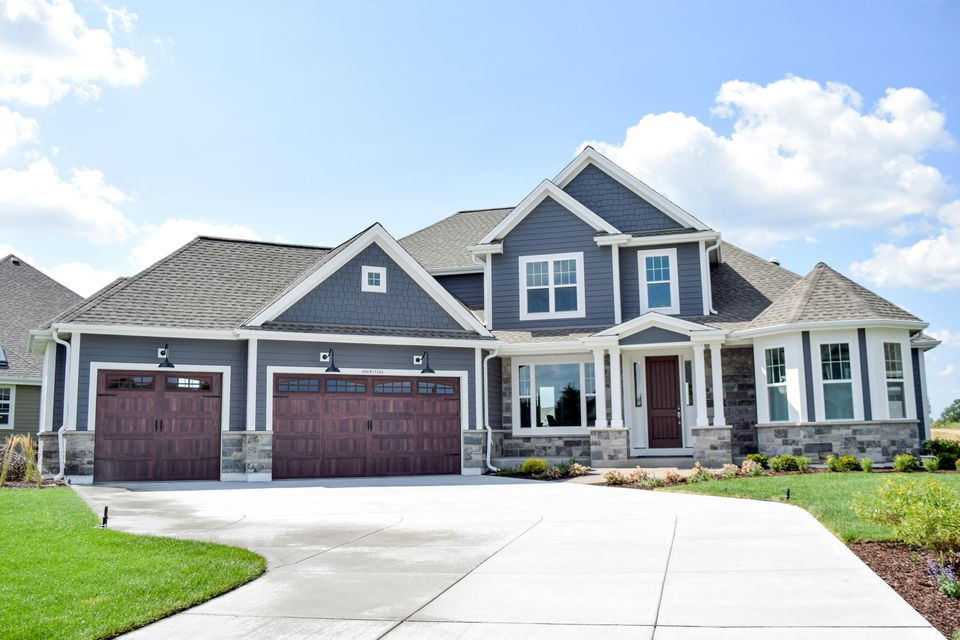Single Family Home for Sale at N66 W15744 Fox Meadow Drive N66 W15744 Fox Meadow Drive Menomonee Falls, Wisconsin 53051 United States