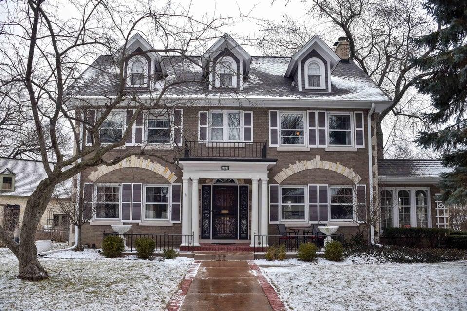 Single Family Home for Sale at 6567 Washington Circle 6567 Washington Circle Wauwatosa, Wisconsin 53213 United States