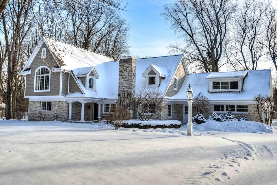 Single Family Home for Sale at 1007 E Thorne Lane 1007 E Thorne Lane Fox Point, Wisconsin 53217 United States