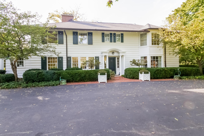 Single Family Home for Sale at 8245 N Range Line Road 8245 N Range Line Road River Hills, Wisconsin 53217 United States