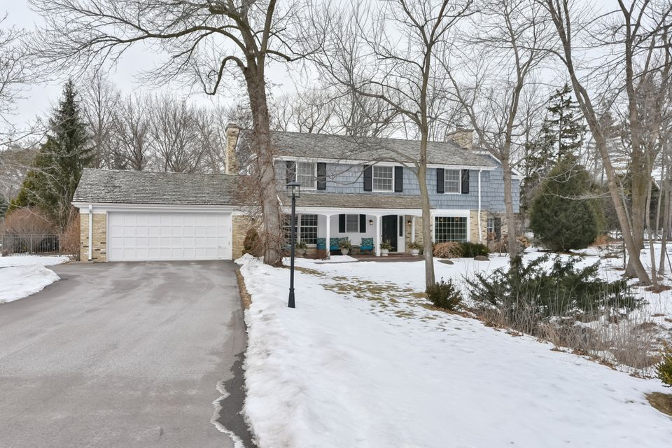 Single Family Home for Sale at 9512 N Wakefield Court 9512 N Wakefield Court Bayside, Wisconsin 53217 United States