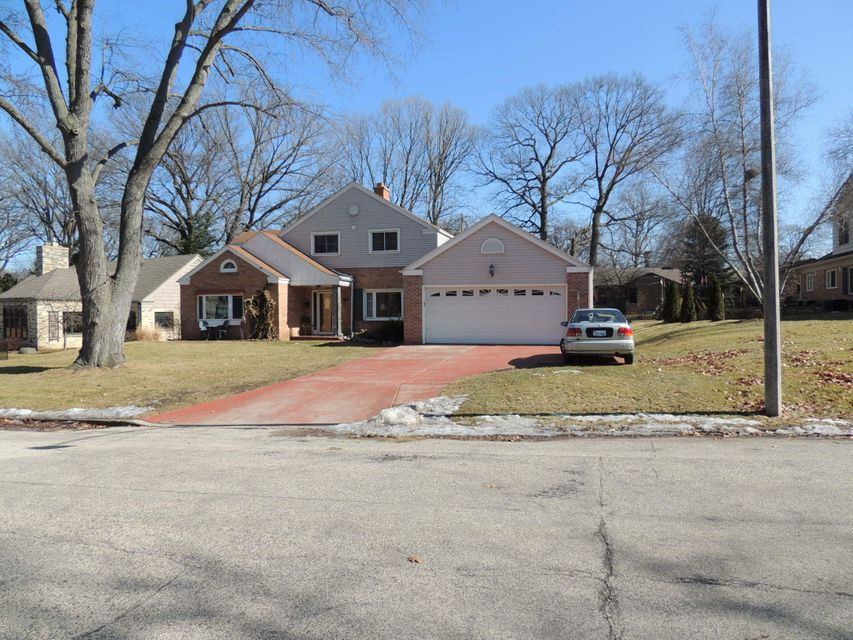 Single Family Home for Sale at 1062 N Perry Court 1062 N Perry Court Wauwatosa, Wisconsin 53213 United States