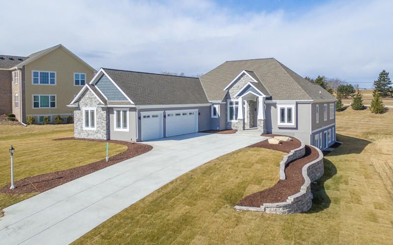 Single Family Home for Sale at N55W20866 Carters Crossing Circle N55W20866 Carters Crossing Circle Menomonee Falls, Wisconsin 53051 United States