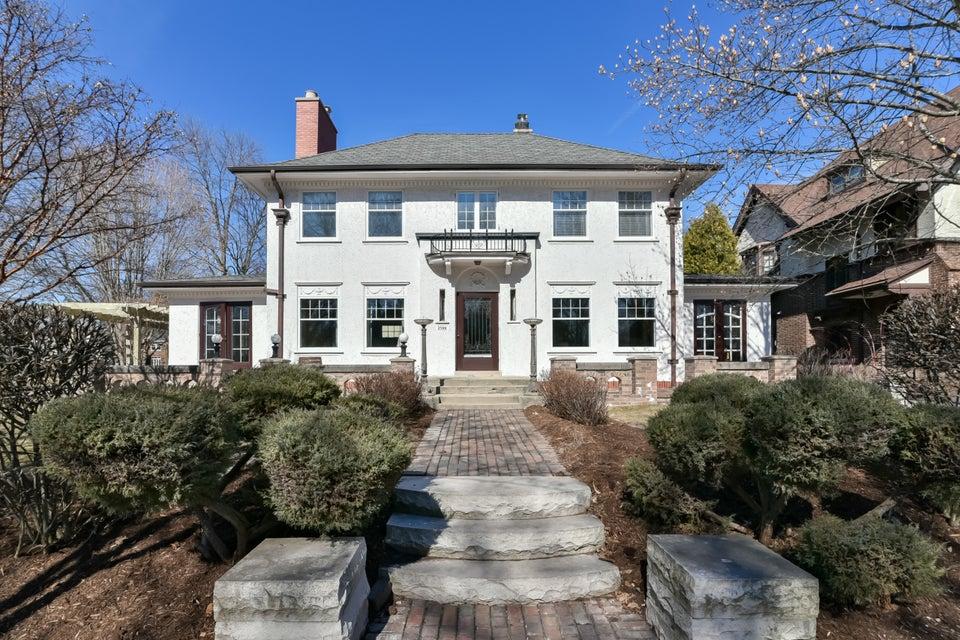 Single Family Home for Sale at 2500 E Lake Bluff Blvd 2500 E Lake Bluff Blvd Shorewood, Wisconsin 53211 United States