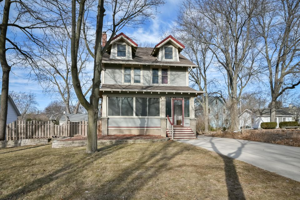 Single Family Home for Sale at 2041 Wauwatosa Avenue 2041 Wauwatosa Avenue Wauwatosa, Wisconsin 53213 United States