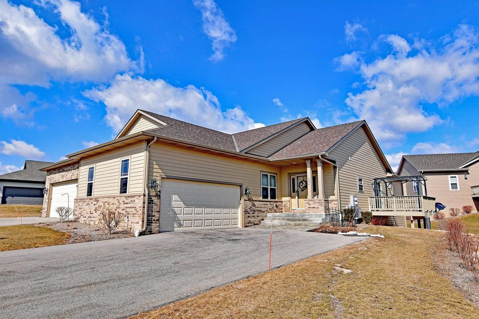 Real Estate Property Listing ID: 1576052