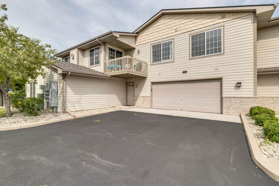 Real Estate Property Listing ID: 1595561