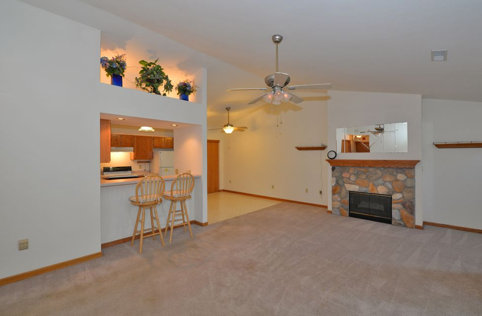 Real Estate Property Listing ID: 1595555