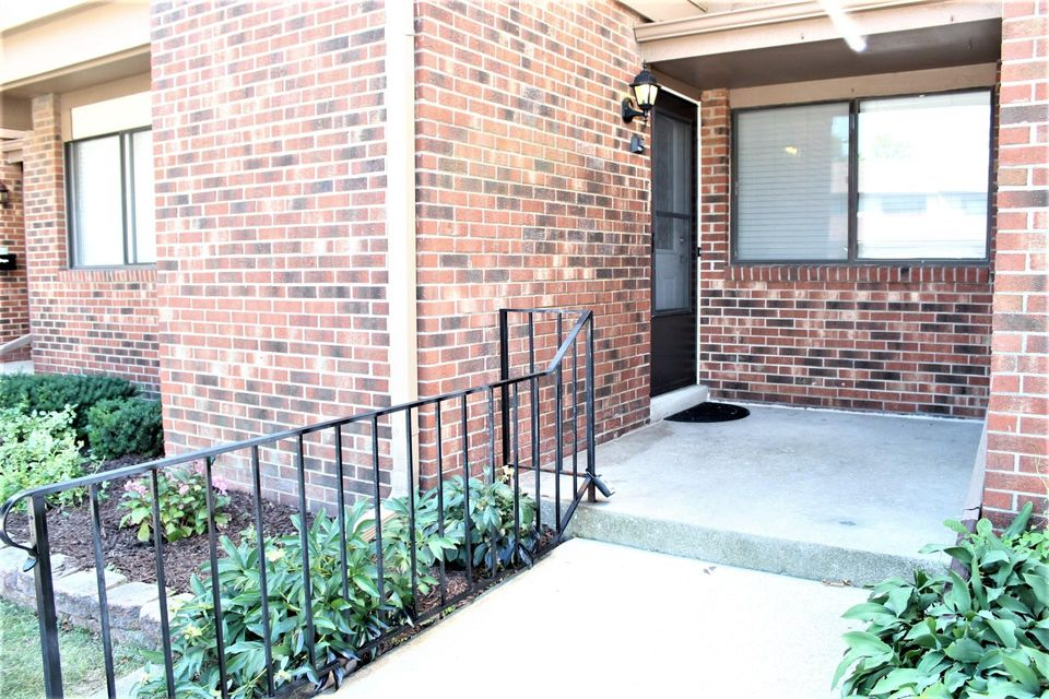 Real Estate Property Listing ID: 1595940