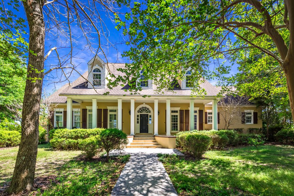 1109 Hickory Hill Dr, Gautier, MS 39553