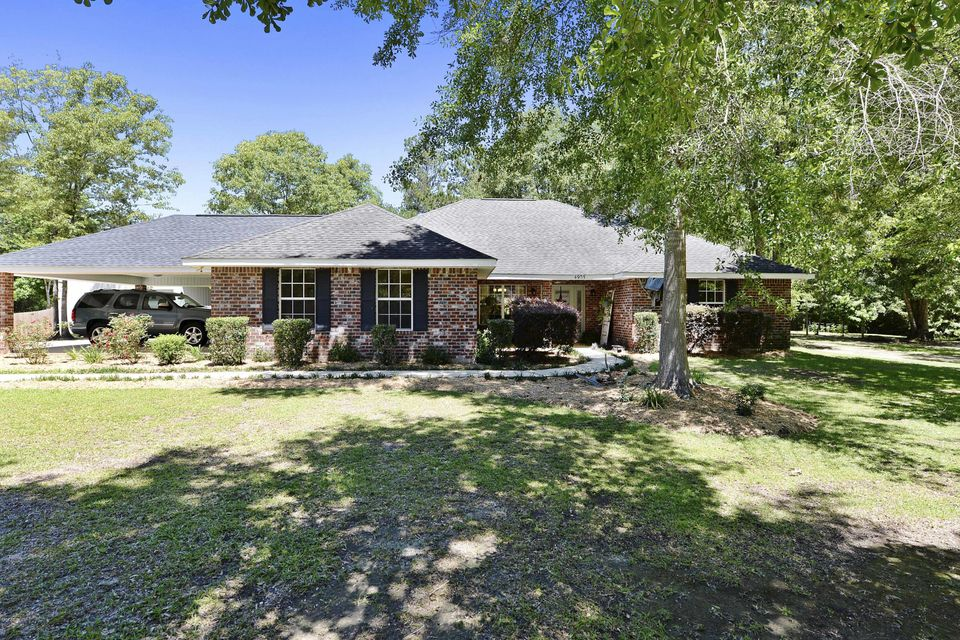 4905 Oak Pl, Vancleave, MS 39565
