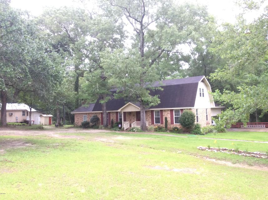 11208 Brushy Ln, Vancleave, MS 39565