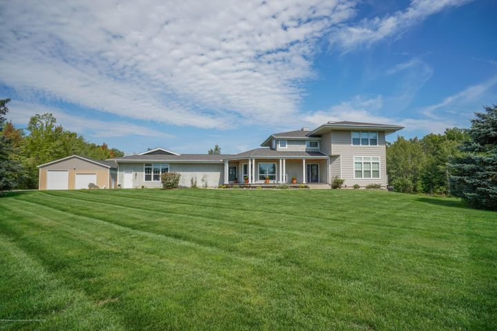 10398  Apple Blossom Lane, Grand Ledge, MI 48837