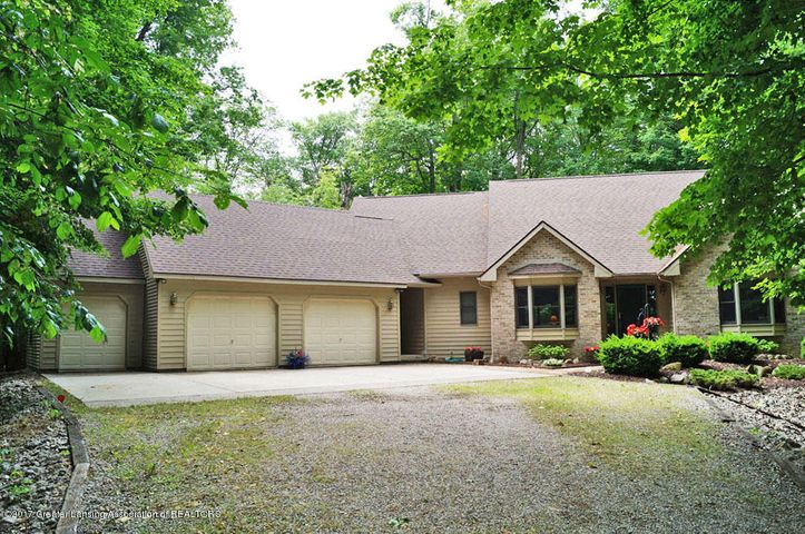 13914  Summer Lane, Grand Ledge, MI 48837