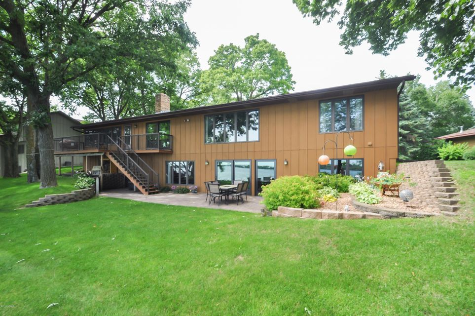 homes for sale on lake geneva