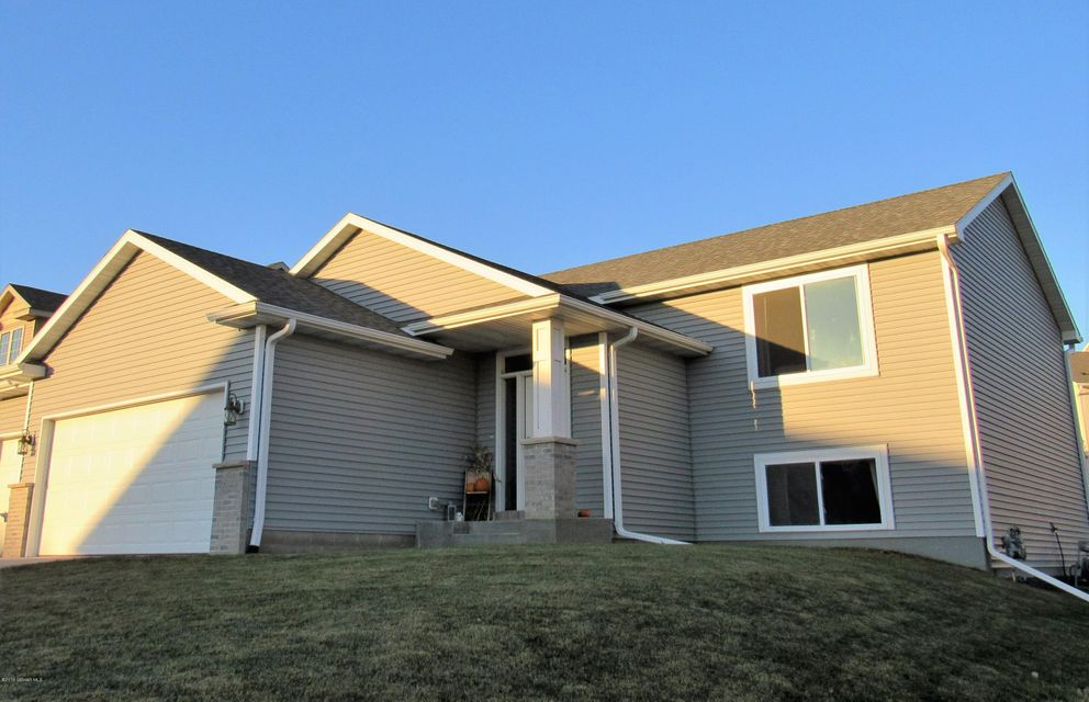 6322 Fairway,Rochester,Minnesota 55901,4 Bedrooms Bedrooms,2 BathroomsBathrooms,Single family residence,Fairway,4075354