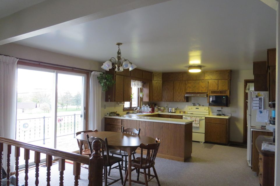 635 Lake,Winona,Minnesota 55987,2 Bedrooms Bedrooms,Single family residence,Lake,4075378
