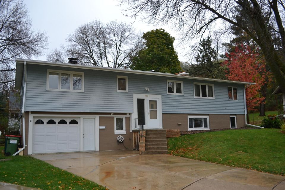 832 15th,Rochester,Minnesota 55901,5 Bedrooms Bedrooms,2 BathroomsBathrooms,Single family residence,15th,4074121