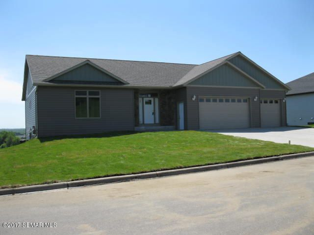 615 Golfview, Zumbrota, MN 55992