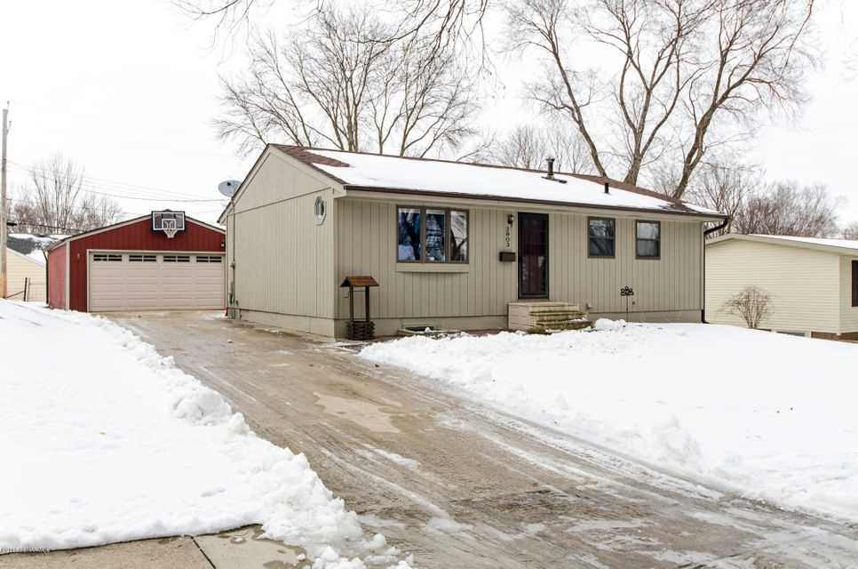3903  6th Street NW, Rochester in Olmsted County, MN 55901 Home for Sale