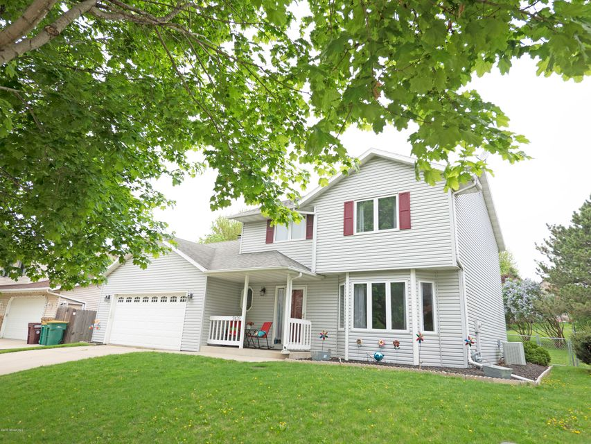 2439  60th Street NW, Rochester in Olmsted County, MN 55901 Home for Sale
