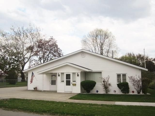 1615 22nd Avenue, Menominee, MI 49858