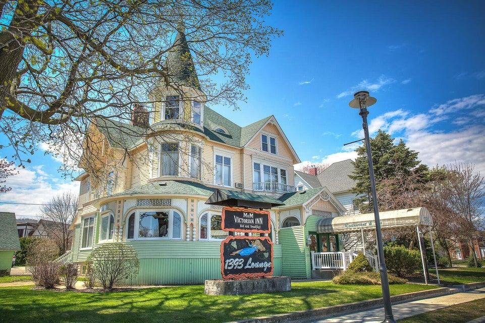 1393 Main Street, Marinette, WI 54143